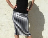 Size Large / Everyday Pencil Skirt - Black and White stripe