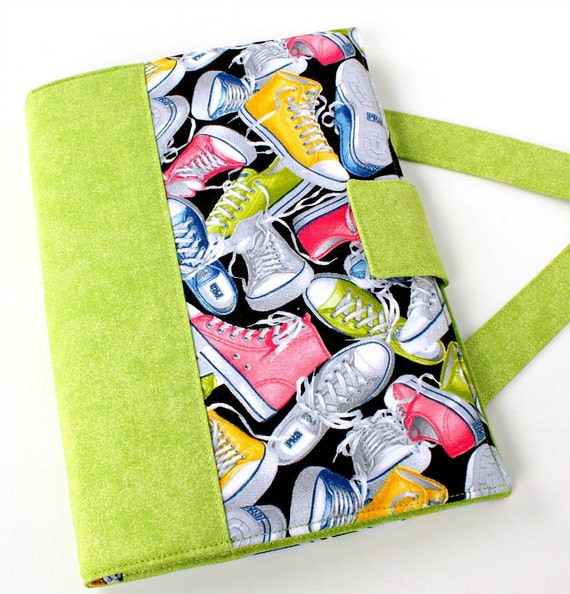 SALE - Sneakers Crayon Artist Case, Crayon bag, Kids travel art toy, Creative kids gift, Travel tote, Crayon wallet, Crayon holder