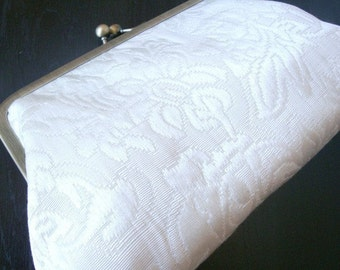 Elegant Ivory Bridal Purse Bag Wedding Clutch Bridesmaid Clutches Gift Bridal Shower