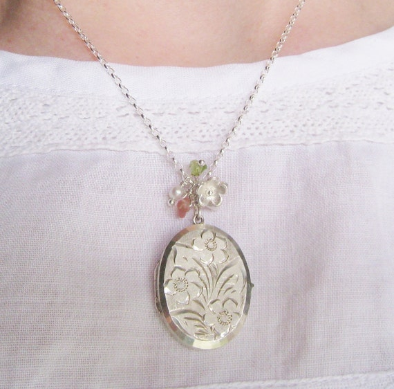 Vintage 1950s Georg Jensen locket with handmade silver forget-me-not and bud, peridot & vintage pearl