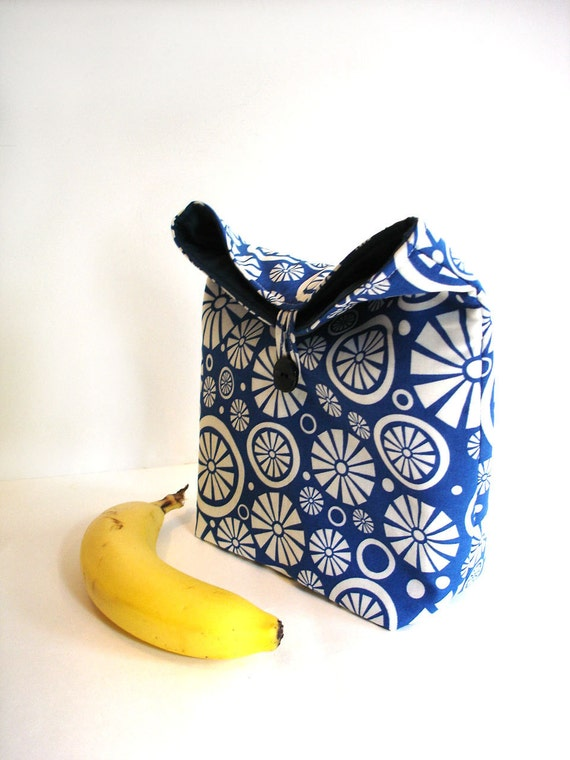 Lunch bag. Eco friendly reusable lunch tote, blue white modern bold