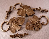 Brass Toggle Clasp Leaf Clasp Brass Findings Toggle Clasp Metal Beads Leaf Beads Antique Brass Clasp Grape Leaf Clasp Metal Findings