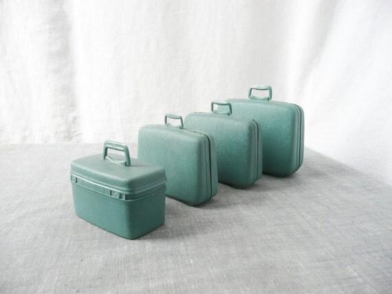 Miniature Salesman Sample Suitcases or Toy Suitcase Set -- 1950s Samsonite Barbie