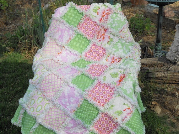 Baby girl rag quilt,  reversible, Heather Bailey, Tanya Whelan, Barefoot Roses, pink, green