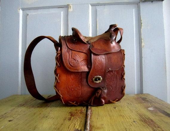 Vintage Tooled Leather Purse, 1940s Western Purse, Vintage Saddle Purse  AMAZING