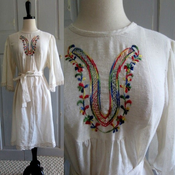 1970s Hippie Dress, 1970s Embroidered Mexican Dress MED LG