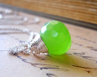 Apple Green Briolette Necklace, Jade Green Colored Stone Necklace, Wire Wrapped Lime Green Brio, Apple Necklace