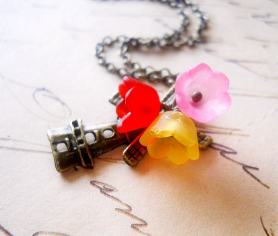 Holland Necklace, Windmill Necklace with Red Pink and Yellow Tulips Amsterdam Necklace Holland Jewelry Spring Necklace Europe Jewelry
