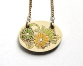 70s Floral Woodcut Necklace - Resin Faux Wood