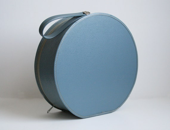Mod Round Train Case - Cornflower Blue