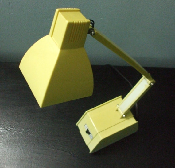 lemon yellow table\/desk lamp 70s 80s