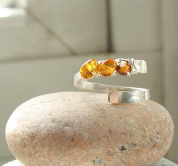 Mini Half Spiral - sterling . baltic amber