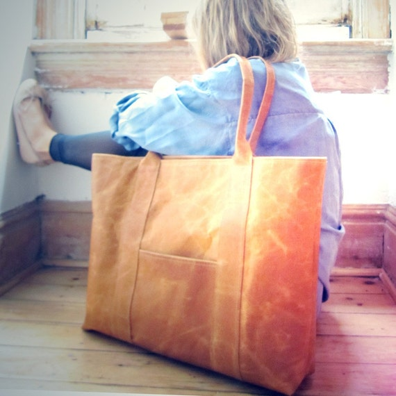 THE WEEKENDER - LEATHER TOTE