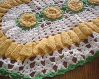 Vintage Crocheted Doily with Unique Flowerettes