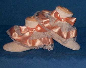 Boutique custom-made Peach ribbon lace ruffled socks