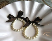 Bridesmaids  Bracelet Pearl and Ribbon, custom made just for you, bridesmaid gift, bridesmaid jewelry, wedding jewelry