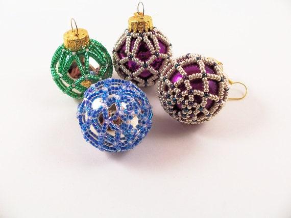 Beaded Christmas Ornament - Pattern 3 Net Beading Tutorial in PDF