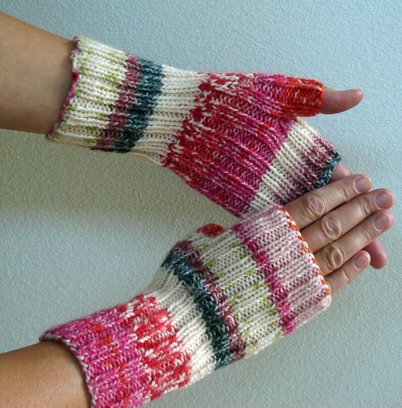 Fingerless Gloves Knitting Pattern Double Pointed Needles : Knitting PATTERN Fingerless Gloves