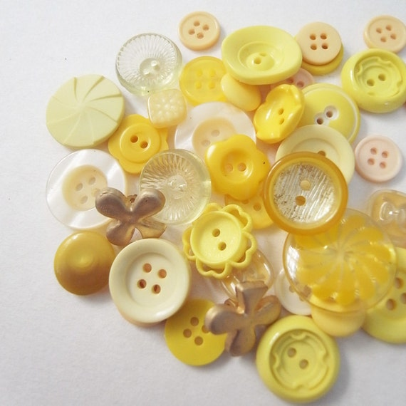 Over 30 assorted  vintage and new yellow mustard buttons set