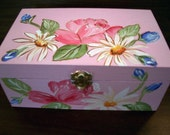 baby's memory box,personalizedgift,Hand painted,Roses,daisies,keepsake box,pink,girl's memory box, kids keepsake box, children's memory box