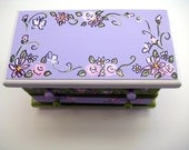 Hand painted personalized jewelry box,lavender,spring green,flowers,butterflies,personalized gift, girl jewelry box, kids jewelry box,