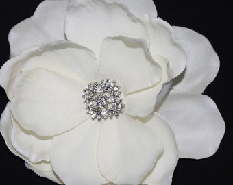 Ivory Gardenia bridal Hair flower clip wedding headpiece Fascinator- creme cream Rhinestone hair comb