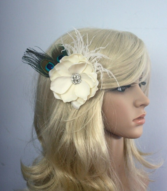 Bridal Hair flower peacock feather fascinator- Ivory Gardenia clip wedding headPiece Fascinator - creme cream Rhinestone hair comb