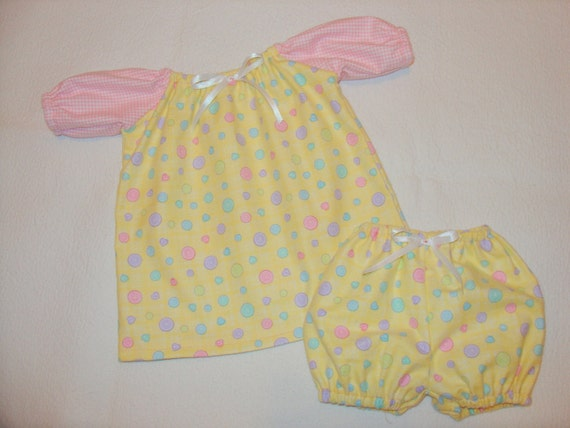 Cute as a BUTTON..... Adorable Cabbage Patch Doll or Baby Flannel Nightgown and Bloomer Set