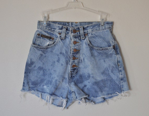 VINTAGE DENIM SHORTS - Urban Ombre Style Denim Distressed Stone wash High Rise 80s Button Fly Vintage Cut Off Shorts - Size 26