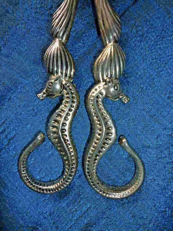 Sea Goddess ..Godinger silver plate seahorse and shell salad tongs