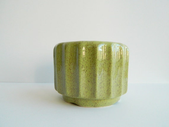 Mid century Green and Brown speckled fluted flower pot or planter