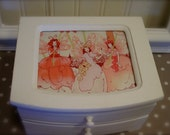 Fairy Jewelry Box - Upcycled Old White Chalk Paint - Fabric Lined