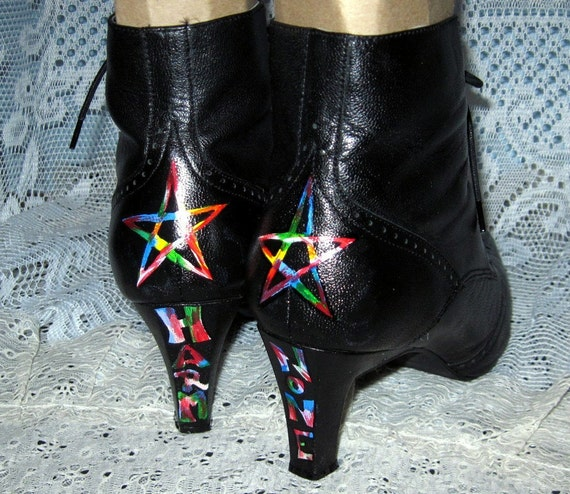 Vintage Wingtip Witchy Boots/Rare/Black Leather/Wiccan/Pentacle/Hand Painted/Size 11