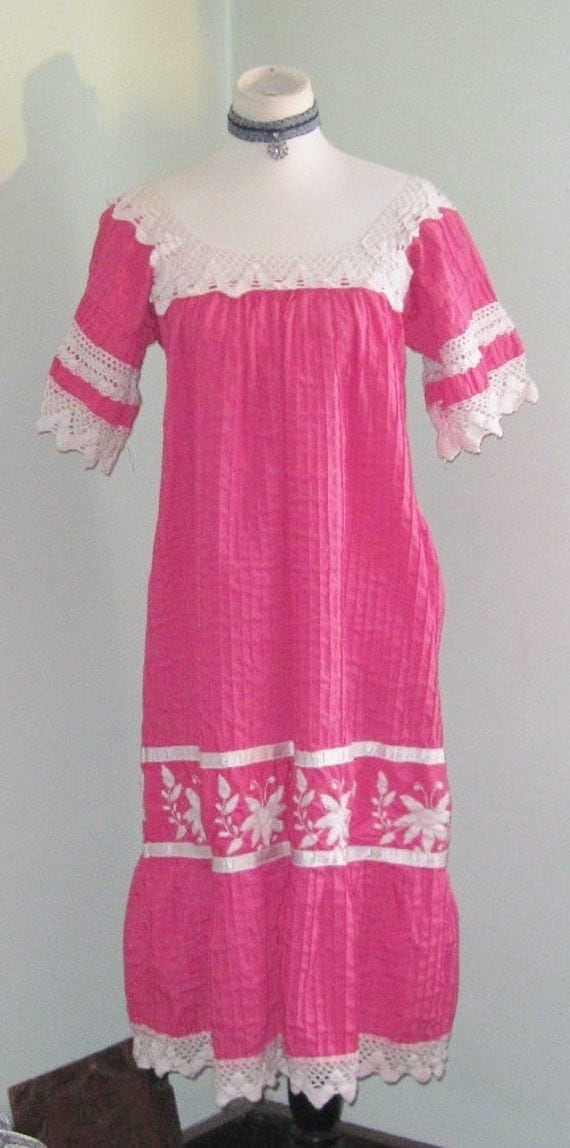 Very Pretty VIntage 70s Crochet Laced Bohemian Pleated Dress/Embroidered Lace Smock Dress/Hippie/Gypsy/Size Medium to XLarge