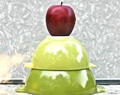 Vintage Pyrex Cinderella Verde Green Nesting Bowls 441 442