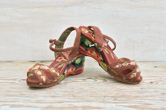Circa 940s Carved Wooden Platform Wedge Sandals  Souvenir Philipines