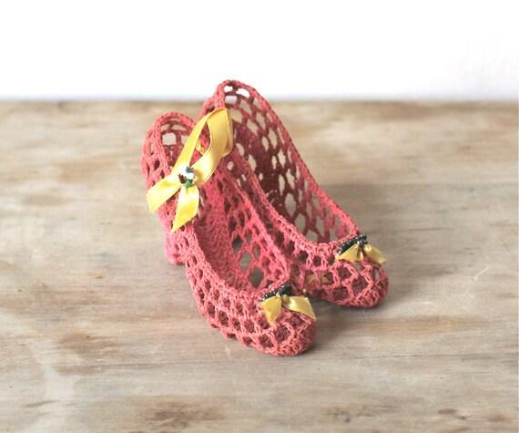 Vintage Coral Crochet Shoes Ornament Decoration