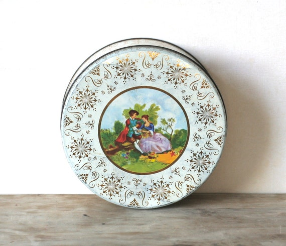 Vintage Biscuit Tin Colonial Couple Gold Filigree