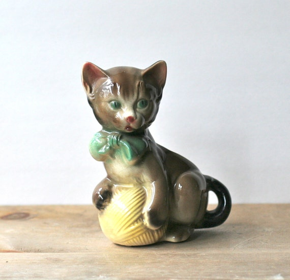 Reserved For Lisa Vintage Cat Kitten With Ball Of Yarn Planter Royal Copley