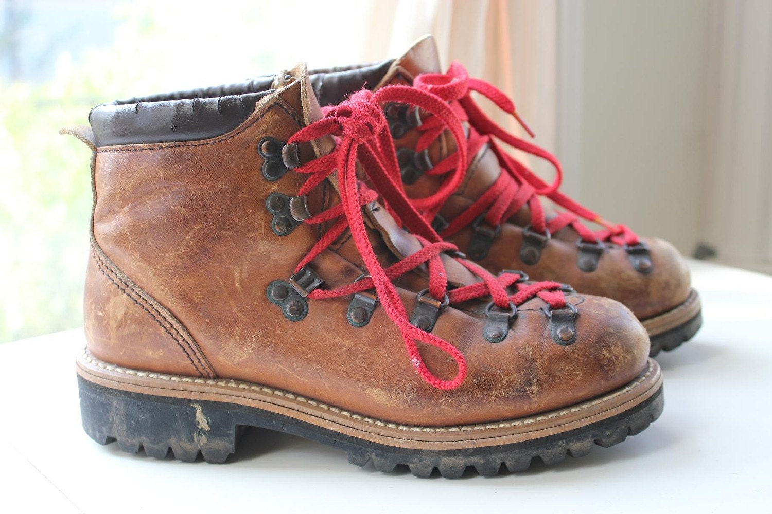 Original Vintage Leather Hiking Boots // Womenu0026#39;s 6