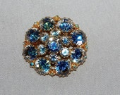 Vintage / Rhinestone / Brooch / Pin / Blue / Large / Sparkly / old jewelry