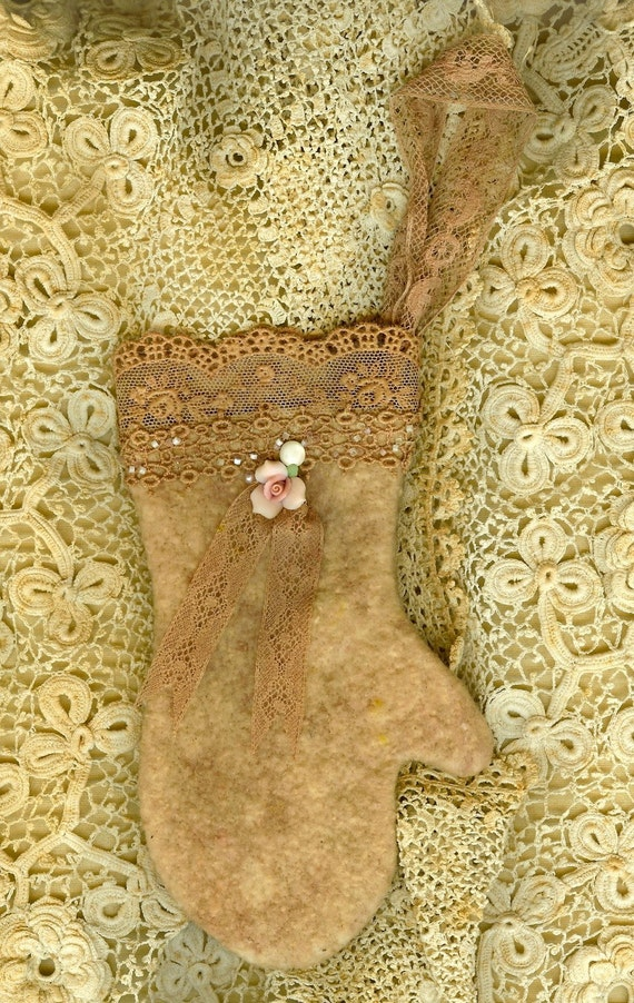 Sweet Vintage lace Cotton Woolen Mitten Christmas Ornament
