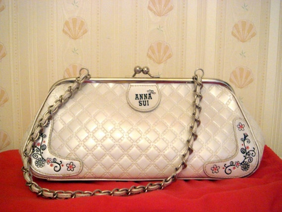 RESERVED - ANNA SUI White Kisslock Purse Leather Metal Chain