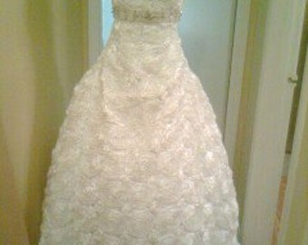 Rosette Bridal Gown