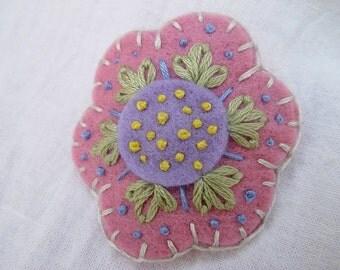 Tumbleweed Kids eco friendly wool felt, embroidered flower hair clip