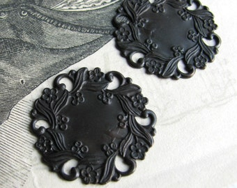 Floral Wreath brass medallion, antiqued black brass, 27mm pierced coin shape round circle stamping (2 medallions)