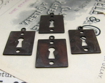 Key Hole charms -  Escutcheon charms - 18mm x 14mm - dark antiqued brass (4 charms) keyhole link