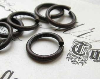 13mm jump ring, dark antiqued brass (10 rings) lead, nickle free, made in the USA, 13 gauge, aged black patina, oxidized, black jump ring