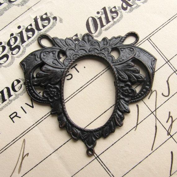 Ornate Victorian oval triple connector, 33mm, antiqued dark brass (1 bowed necklace link) aged black patina, leaves leaf floral