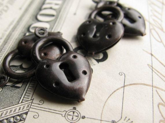 Dark brass puffed heart lock charm, black patina 20mm (4 lock charms) black heart charm CH-SV-009